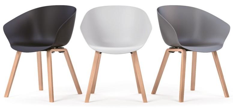 cadires-fixes-hole-amb-potes-de-fusta