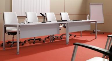 taula-amb-faldo-espace